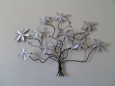 zilverkleurige licht vibrerende bloenentak