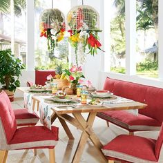 Sommerkollektion, Stilthema, Wohninspiration, Dekoideen Table Settings, Table Decorations, Furniture, Home Decor, Bold Colors, Dining Rooms, Homes, Essen, Decoration Home