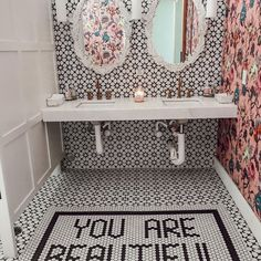 7 Decor Ideas We're Stealing From Our Favorite Restaurant Bathrooms : Best Restaurant Bathrooms – 7 Bathroom Decor Ideas Restaurant Design Vintage, Vintage Design, Restaurant Bathroom, Cool Restaurant, Bathroom Photos, Bathroom Sets, Bathrooms Decor, Interior Design Chicago, Architecture Restaurant
