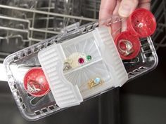 Cleaning Jewelry with Jeweler in the Dishwasher