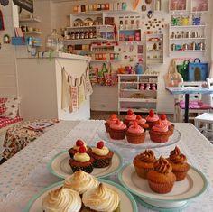 Salon de thé Henry & Henriette à Nantes. Love deco + cupcakes. Paulette magazine - LA CARTE DE FRANCE DES SALONS DE THÉ