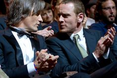 2 hot guys right next to each other. Fassbender and Viggo