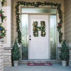 How to choose a car mechanic Buying Your First Car, Christmas Wreaths, Christmas Tree, Faux Shiplap, Diy Wreath, Home Improvement Projects, Ladder Decor, Holiday Decor, Home Decor