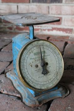 Rusty Blue Kitchen Scale. Love this!! Wish it was copper!