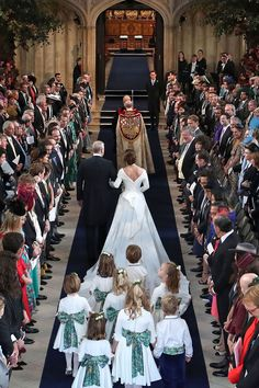 We Got a Peak Inside the Chapel on Princess Eugenie and Jack Brooksbank's Wedding Day- HarpersBAZAAR.com Princesa Charlotte, Princesa Eugenie, Princesa Mary, Princess Beatrice Wedding, Royal Princess, Princess Wedding, Duchess Of York, Duke Of York, Duchess Kate