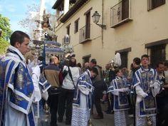 santa maria de la alhambra con sus acolitos