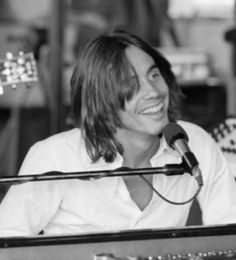 Jackson Browne the beautiful poetry man Ryan Adams, Jackson Browne, The Pretenders, Music Is My Escape, 70s Music, Blues Artists, Led Zeppelin, No One Loves Me, My Best Friend