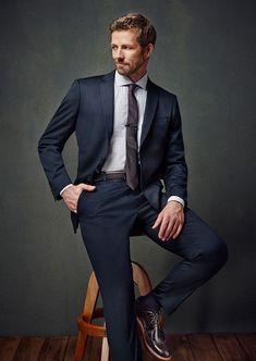 Fashion clothing for men Corporate Portrait, Business Portrait, Portrait Photography Men, Photography Poses For Men, Gentleman Mode, Gentleman Style, Sharp Dressed Man, Well Dressed Men, Studio Posen