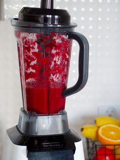 Sok z buraka Smoothies, Food And Drink, Kitchen Appliances, Drinks, Healthy, Blog, Polish Cuisine, Polish Food Recipes, Smoothie