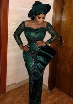 Owning Ankara material is very easy but deciding on topnotch style to sew can be difficult atimes. For some individuals like myself, we have to browse till we can find classy Ankara styles. Aso Ebi Lace Styles, African Lace Styles, Lace Dress Styles, African Lace Dresses, Ankara Gown Styles, Latest Ankara Styles, Latest African Fashion Dresses, African Print Fashion, Ankara Fashion