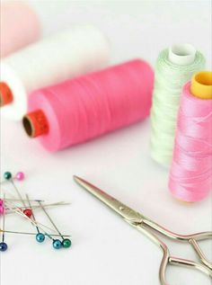 Sewing Art, Love Sewing, Anna Store, Alone Girl Pic, Flatlay Styling, Mother's Day Diy, Sewing Accessories, Fashion Sewing, Haberdashery