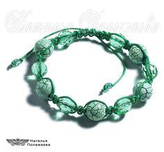 Браслет МЕНТОЛ (ШАМБАЛА, v.119)   Стильный браслет в зеленых и мятных тонах с гранеными стеклянными и декоративными кракелюрными бусинами - модный акцент к ярким летним нарядам…