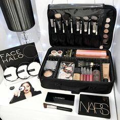 Planning a trip? You can't organize your makeup collection without a cute makeup bag. A makeup bag is perfect to organiz Cute Makeup Bags, Large Makeup Bag, Best Mac Makeup, Best Makeup Products, Makeup Ads, Eye Makeup, Makeup Brushes, Beauty Makeup, Hair Beauty
