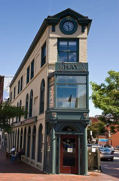 Hay Building - Portland, Maine, by Malcolm Bull. This shows the English influence in new England. There buildings in England built just like this in the confluence of two streets. Interesting Buildings, Unusual Buildings, Amazing Buildings, Portland Maine, Downtown Portland, New England States, Amsterdam, Canada, New Hampshire