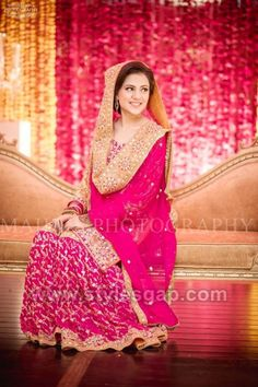 Latest Bridal Mehndi Dresses Wedding Collection Orange Things orange n pink combination suits Bridal Dupatta, Bridal Mehndi Dresses, Bridal Dress Design, Pakistani Wedding Outfits, Pakistani Wedding Dresses, Bridal Outfits, Pakistani Suits, Bridal Looks, Indian Bridal