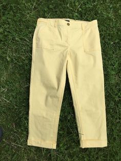 Tommy Hilfiger Sloan Capris Size 8 Yellow Resort Cruise Vacation Crop Pants EUC #TommyHilfiger #CaprisCropped