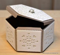 Hello, Crafters.   Yesterday evening I had my follow up appointm ent with my  consultant and the good news is that he hasn't found anything ... Hexagon Box, Stampin Up Anleitung, Envelope Box, Stampinup, Pretty Box, Pretty Packaging, Explosion Box, Craft Box, Keepsake Boxes