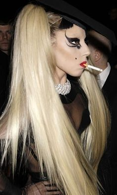 Lady Gaga's wild make-up look at Thierry Mugler Paris Fashion Week!