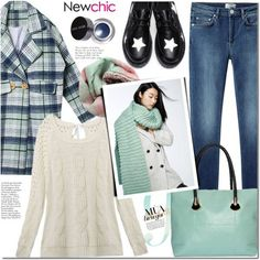 Winter Casual Fashion For Women Over 60 (11)