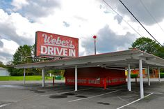 Weber's Drive-In Fast Tray Service