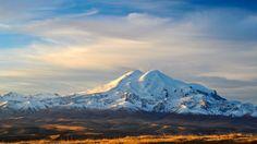 Скачать обои земля, снег, горы, Кавказ, небо, Эльбрус, долина, вершина, раздел пейзажи в разрешении 1920x1080