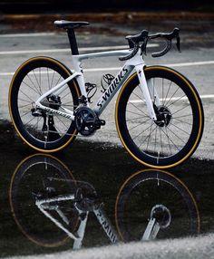 Mt Bike, Bike Kit, Bicycle Race, Road Cycling, Cycling Bikes, Specialized Road Bikes, Best Road Bike, Downhill Bike, Bicycle Painting
