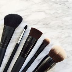 The five brushes to up your makeup game. #bareMinerals #MakeupBrushes 1) Smoothing Face Brush 2) Perfecting Face Brush 3) Blooming Blush Brush 4) Shade & Diffuse Eye Brush 5) Double-Ended Precision Eye Brush