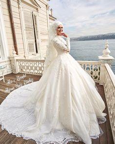 Hijab Wedding: İPEKModel Asr-ı Elegance Being a Bride is a Privilege . Hijab Wedding: İPEKModel Asr-ı Elegance Being a Bride is a Privilege Wedding Dress Asr-ı Z … Muslim Wedding Gown, Hijabi Wedding, Wedding Hijab Styles, Muslim Brides, Pakistani Wedding Dresses, Bridal Dresses, Wedding Gowns, Bridesmaid Dresses, Muslim Couples
