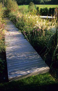 Contemporary Wooden Garden Path | Adamchristopherdesign.co.uk