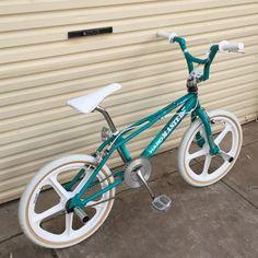 Velo Biking, Haro Bmx, Vintage Bmx Bikes, Old Scool, Bmx Freestyle, Bmx Bicycle, Bike Life, Retro, General Lee