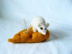 Needle felted White Mouse and yellow cheese, woolen soft sculpture, Pincushion,Decorative Wool Fiber Art sculpture