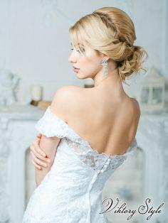 Собранная свадебная прическа свадебная прическа с гребнем Свадебные стилисты…