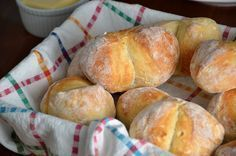 Bułki poznańskie, śniadaniowe z przedziałkiem Hamburger, Bread, Food, Cooking, Brot, Essen, Baking, Burgers, Meals