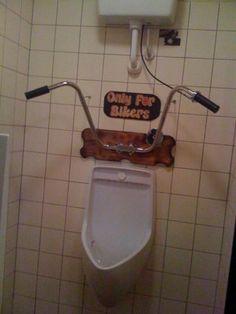 Redneck innovation — you gotta love it Photos) Biker Bar, Moto Bar, Bar Pub, Ski Bar, Man Cave Bathroom, Garage Bathroom, Bathroom Stuff, Bathroom Wall, Bathroom Interior