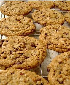 Quick and Easy Recipe – Healthy Chocolate Pecan Cookie Muesli Cookies, Pecan Cookies, Oatmeal Chocolate Chip Cookies, Yummy Cookies, Easy Healthy Recipes, Sweet Recipes, Easy Meals, Uk Recipes, Empanadas