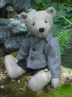 Graham is tall and made from sparse grey mohair with wool felt paws. His nose is hand embroidered and he is weighted with tiny ste. Smart Jackets, Bear Design, Applique Designs, Teddy Bears, Wool Felt, Graham, Kids Toys, Doll Clothes, Projects To Try
