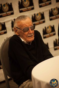 Stan having a good time at #WizardWorld!! See us in Nashville 10/18-10/20 http://VIP.me/NashvilleComicCon