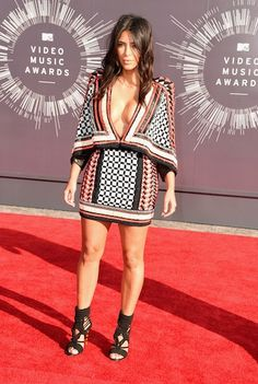 Flawless Beauties: Miley Cyrus, Kim Kardashian & More Bare All on MTV Video Music Awards Red Carpet