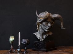 tendance cabinet de curiosité | est le moment ou jamais de laisser parler votre imagination et d ... Museum Of Curiosity, Dracula Castle, Goth Home, Cabinet Of Curiosities, Deco Originale, Antique Cabinets, Dark Interiors, Cute Diys, Statue