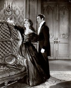 Greta Garbo and Robert Taylor in Camille, 1936.