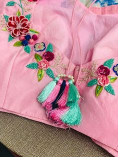 Kids Blouse Designs, Simple Blouse Designs, Stylish Blouse Design, Stylish Dress Designs, Kurta Designs Women, Bridal Blouse Designs, Blouse Neck Designs, Neck Designs For Suits, Sleeves Designs For Dresses