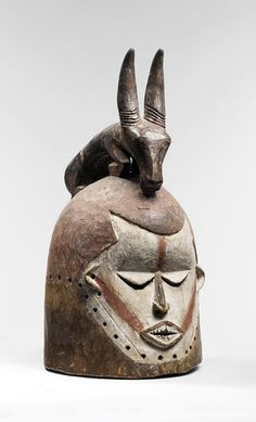 Mask from the Suku people of DR Congo | Mid 20th century | Wood and pigment