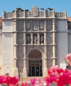 Interns at The San Diego Museum of Art can gain school credit and work in many different departments, including marketing, finance, curatorial affairs, and education.