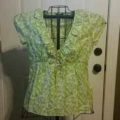 J CREW v-neck Blouse sz 6 Perfect for Spring! J. CREW v-neck, tie waist blouse,lime green, tan and cream, zips at the side,  ties at waist, buttons down front. Ruffled down the v-neck, capped sleeve.  Smoke and pet free home J. Crew Tops Blouses
