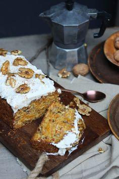 Leuchtender Herbst-  süßes Kürbis-Walnuss-Brot mit Topping
