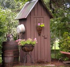 small+garden+tool+sheds | Building a Tool Shed for The Garden