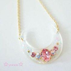 いいね!47件、コメント1件 ― ☆yooou☆さん(@yooouland)のInstagramアカウント: 「お月さまネックレス♡ホワイト! #white #moon #necklace #handmade #swarovski」