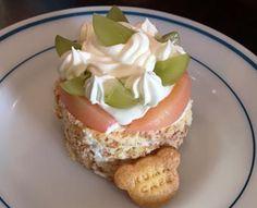 桃と葡萄のケーキ