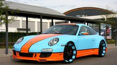 911 Reminds Us Why We Love The Classic Gulf Livery
