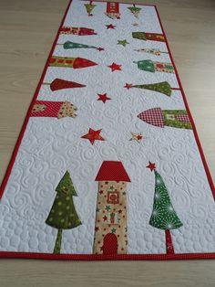 quilts patchwork runde tischdecke weihnachten quilt. Black Bedroom Furniture Sets. Home Design Ideas